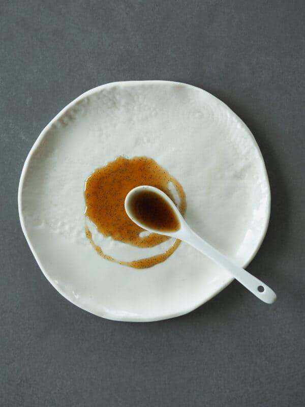 Vaniljeekstrakt med vaniljekorn