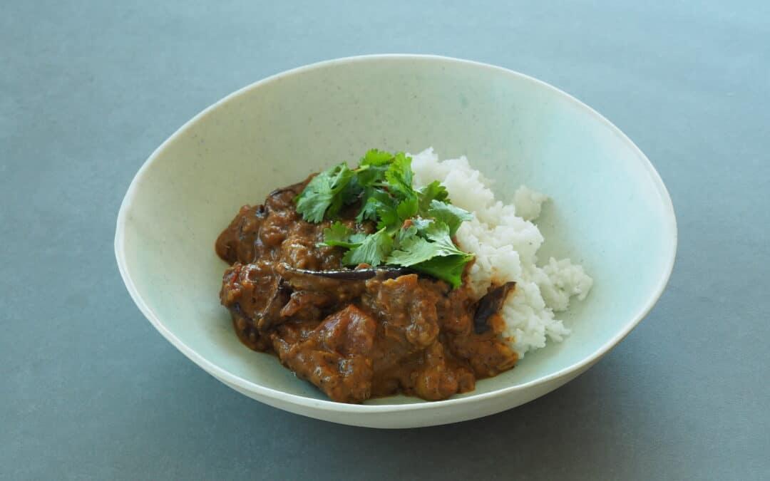Aubergine curry med kokos og indisk vanilje