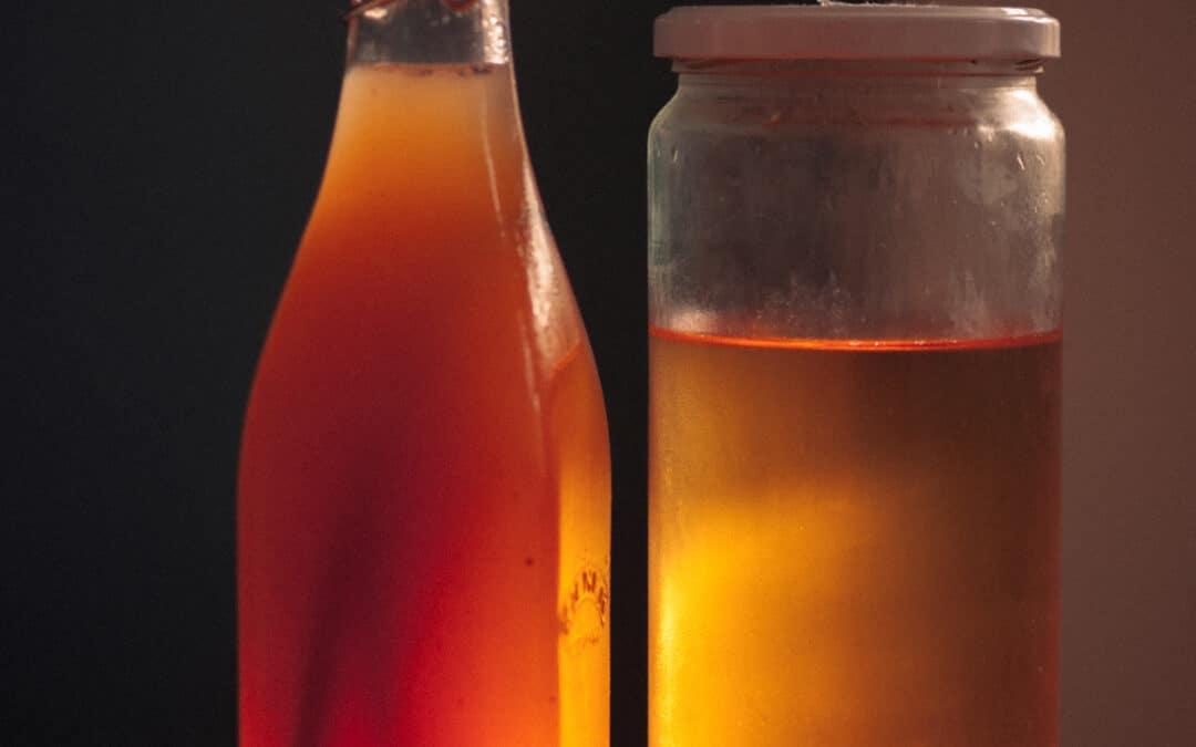 Is-te med fersken og vanilje